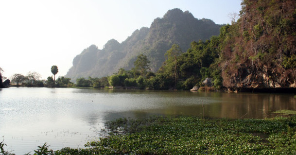 Moulmein-Hpa-An-saddar-cave-lake-e1428132034824