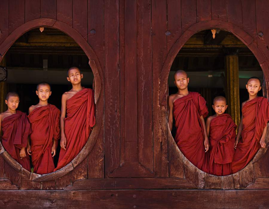novice monks myanmar