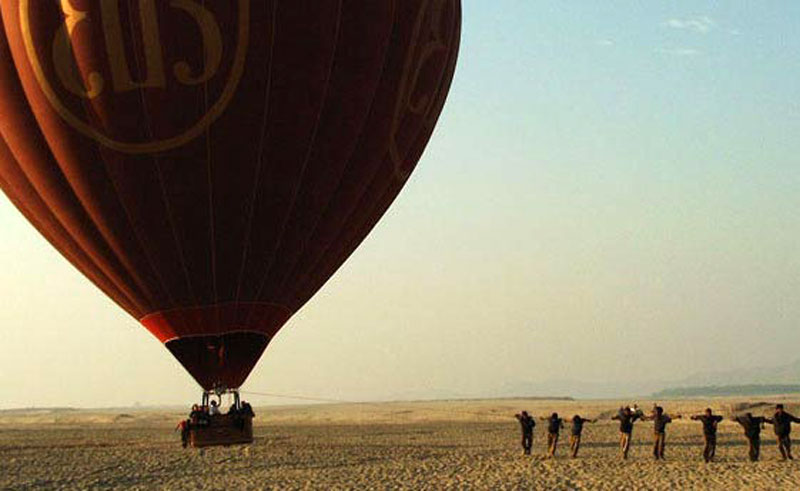 bagan hot air balloon flight